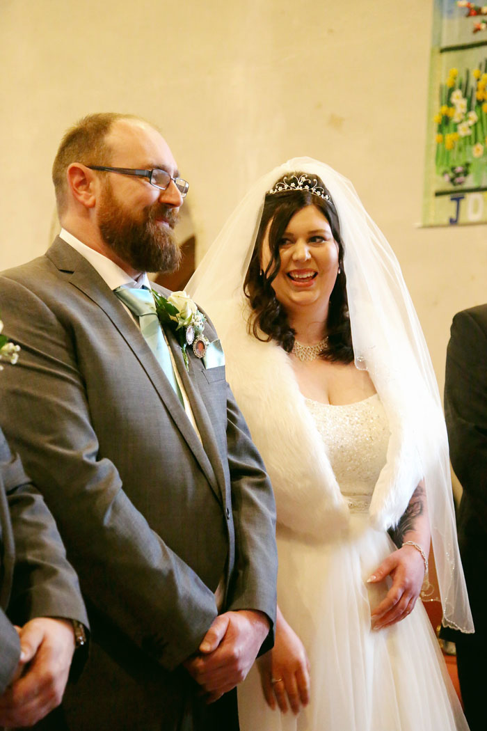 wedding-of-the-week-holiday-inn-east-newport-pagnell-4