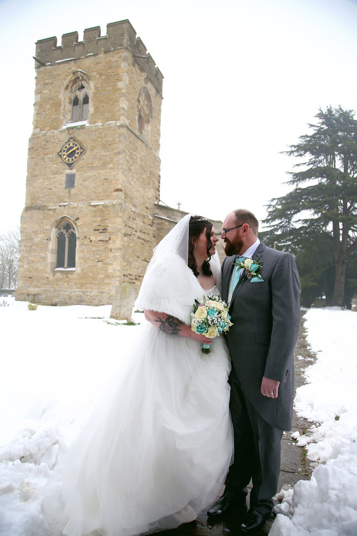 wedding-of-the-week-holiday-inn-east-newport-pagnell-7
