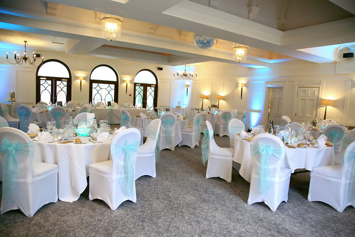 wedding-of-the-week-holiday-inn-east-newport-pagnell-27