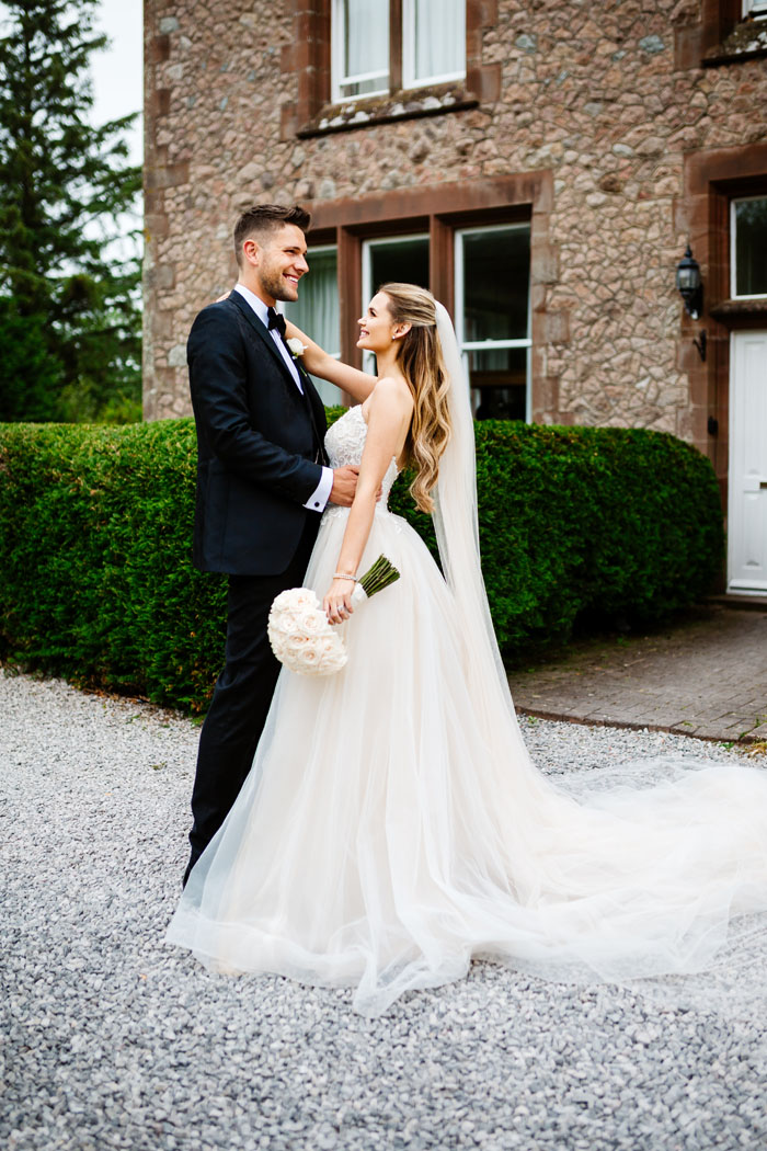 cheshire-bride-who-wore-five-wedding-dresses-20