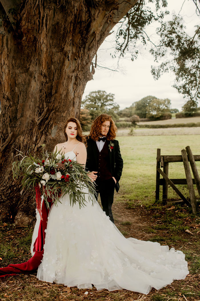 a-rustic-and-romantic-wedding-shoot-in-dorset-12