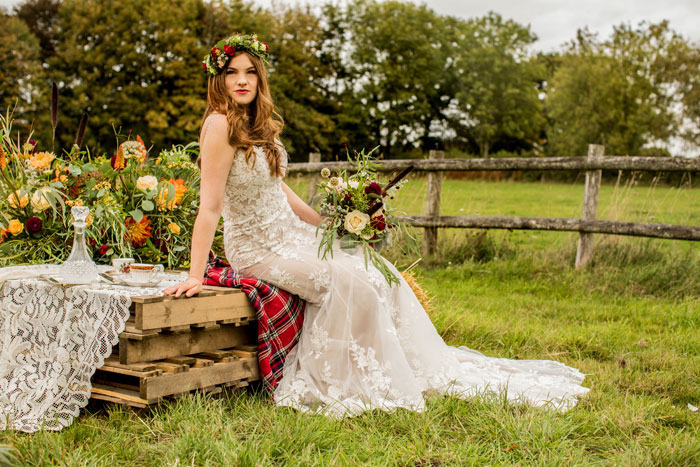 a-rustic-and-romantic-wedding-shoot-in-dorset-14