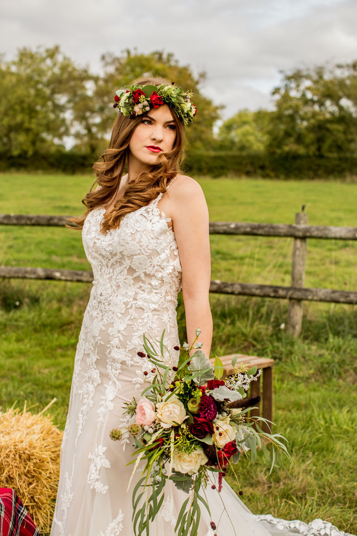 a-rustic-and-romantic-wedding-shoot-in-dorset-16