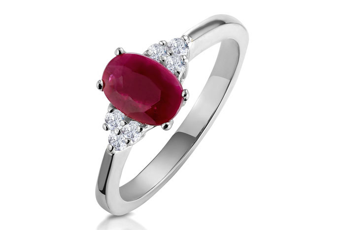 engagement-rings-for-your-birth-month-10