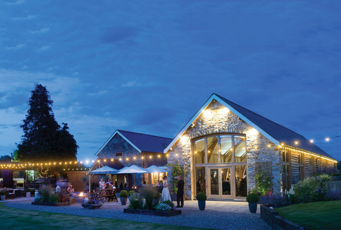 how-to-choose-your-wedding-venue-17