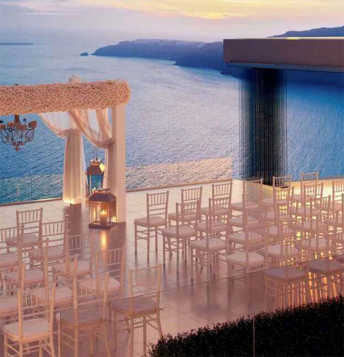 sights-on-santorini-planning-your-destination-wedding-1