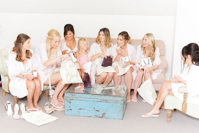 how-to-keep-your-bride-tribe-happy-4