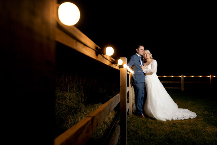 hazel-gap-barn-classic-white-wedding-nottinghamshire-32