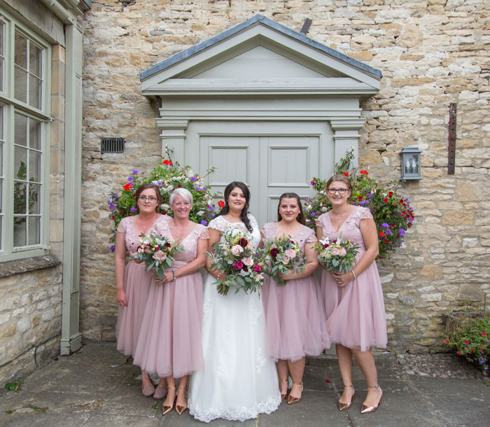 a-vintage-themed-wedding-in-oxfordshire-12