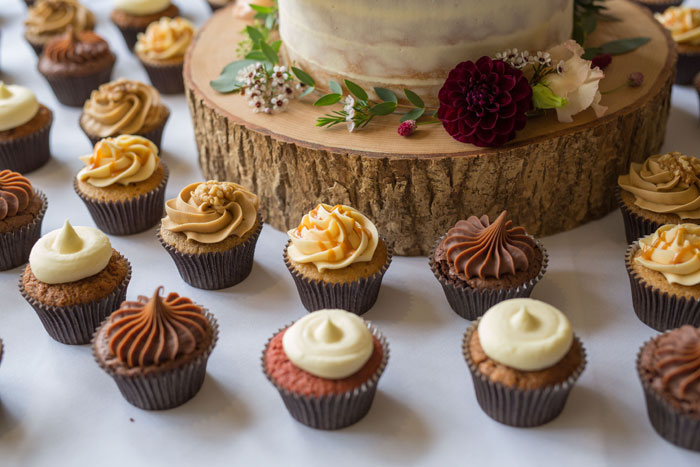 a-vintage-themed-wedding-in-oxfordshire-17
