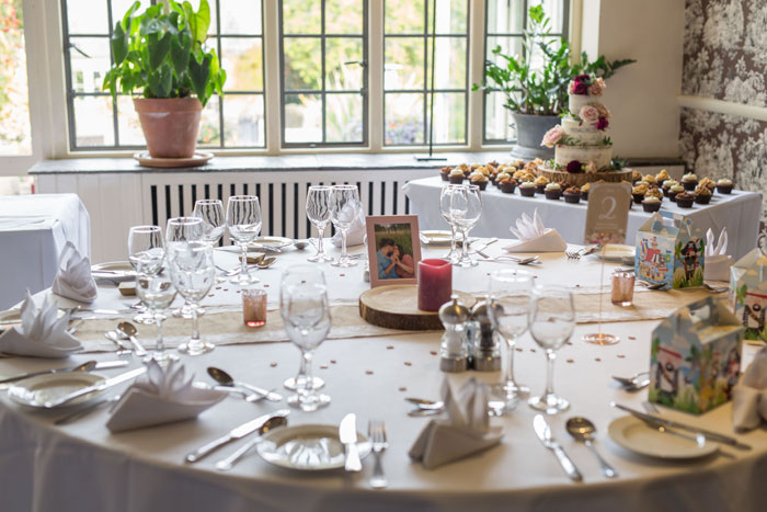 a-vintage-themed-wedding-in-oxfordshire-18