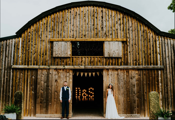 a-charming-and-rustic-cheshire-wedding-2