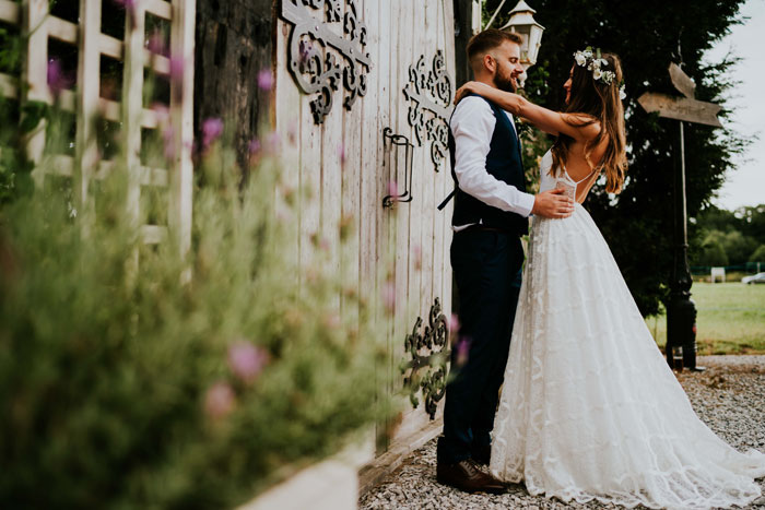 a-charming-and-rustic-cheshire-wedding-12