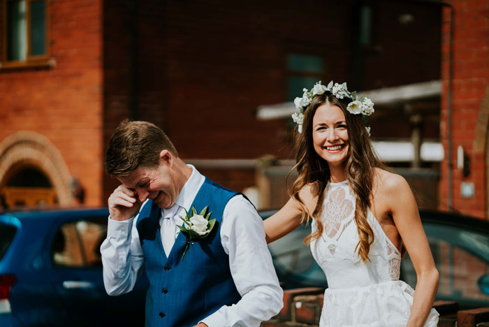 a-charming-and-rustic-cheshire-wedding-15