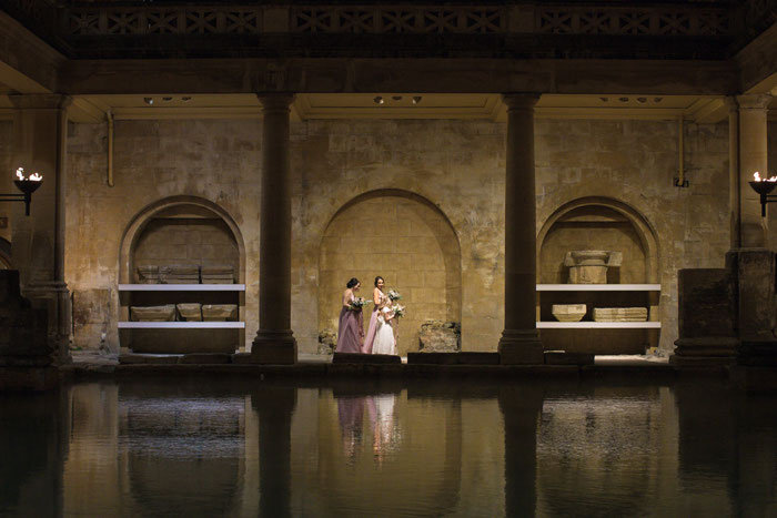 night-time-wedding-at-the-roman-baths-13