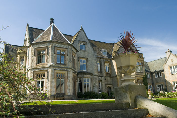 romantic-yorkshire-wedding-venues-11