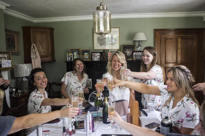 a-relaxed-summer-countryside-wedding-in-suffolk-5