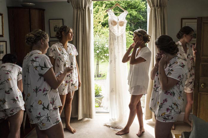 a-relaxed-summer-countryside-wedding-in-suffolk-10