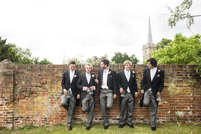 a-relaxed-summer-countryside-wedding-in-suffolk-13