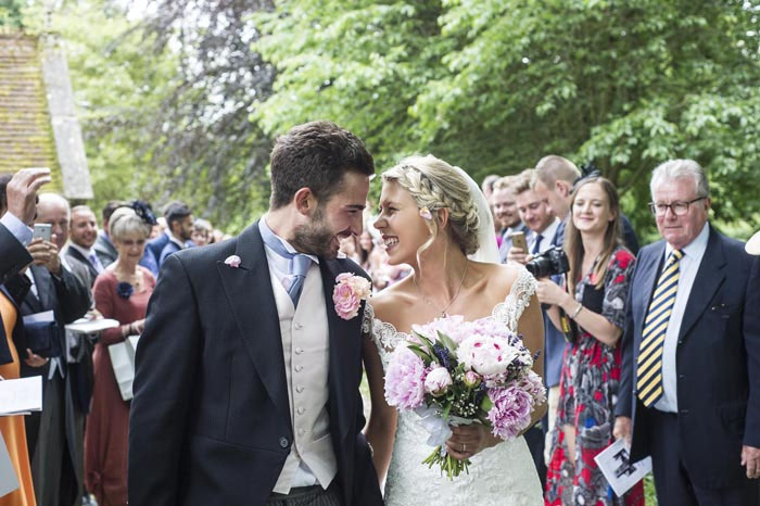 a-relaxed-summer-countryside-wedding-in-suffolk-20