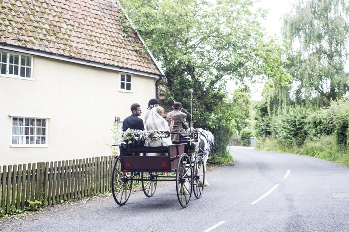 a-relaxed-summer-countryside-wedding-in-suffolk-21