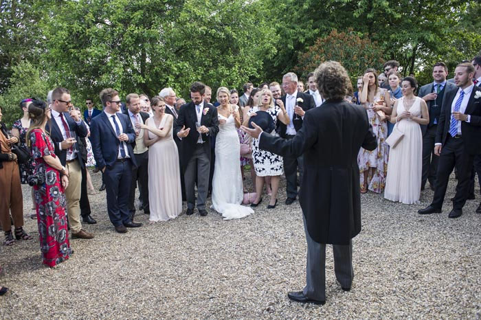 a-relaxed-summer-countryside-wedding-in-suffolk-23