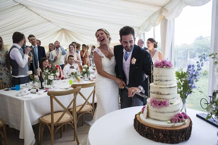 a-relaxed-summer-countryside-wedding-in-suffolk-25