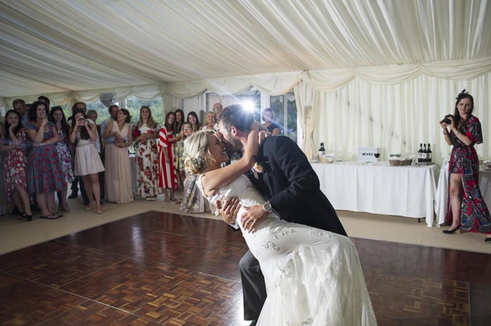 a-relaxed-summer-countryside-wedding-in-suffolk-27