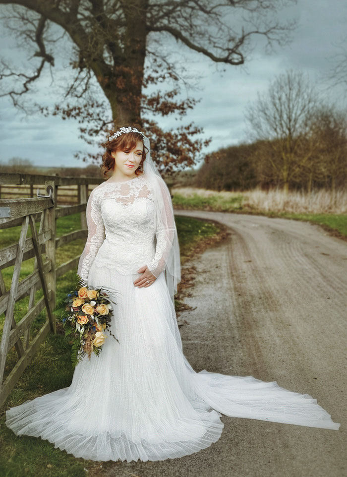 a-pre-loved-rustic-bridal-shoot-in-lincolnshire-3