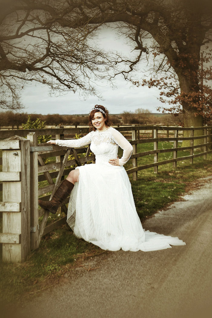 a-pre-loved-rustic-bridal-shoot-in-lincolnshire-9