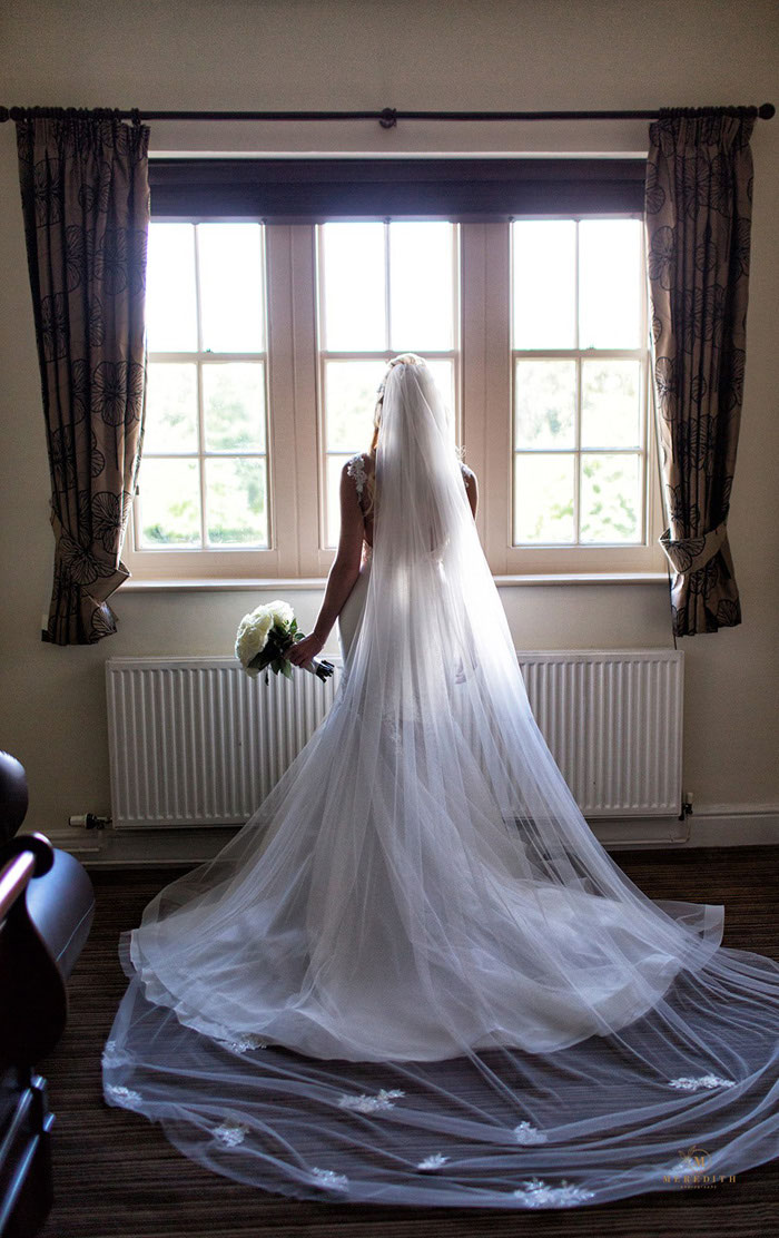 a-candlelit-white-wedding-in-cheshire-3