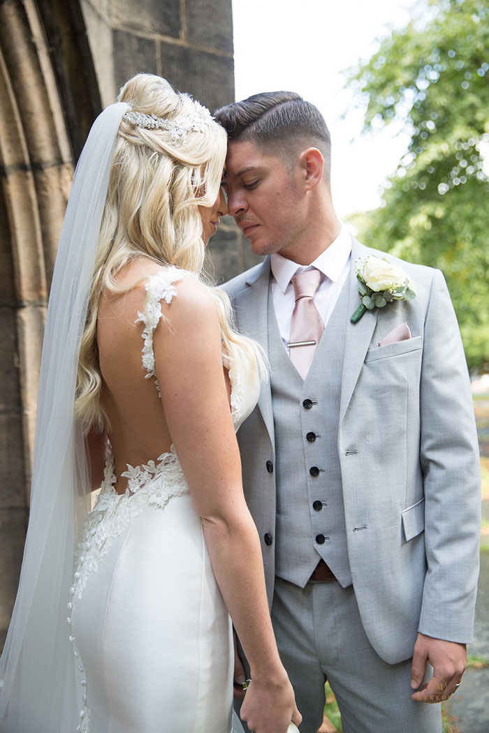 a-candlelit-white-wedding-in-cheshire-9