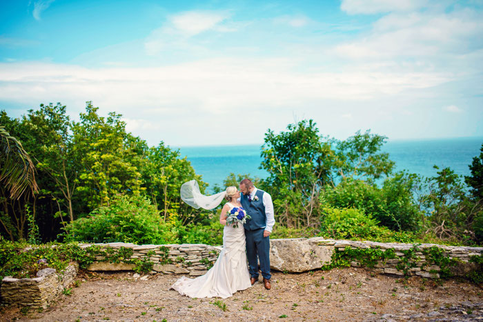 sunshine-filled-castle-wedding-in-dover-2