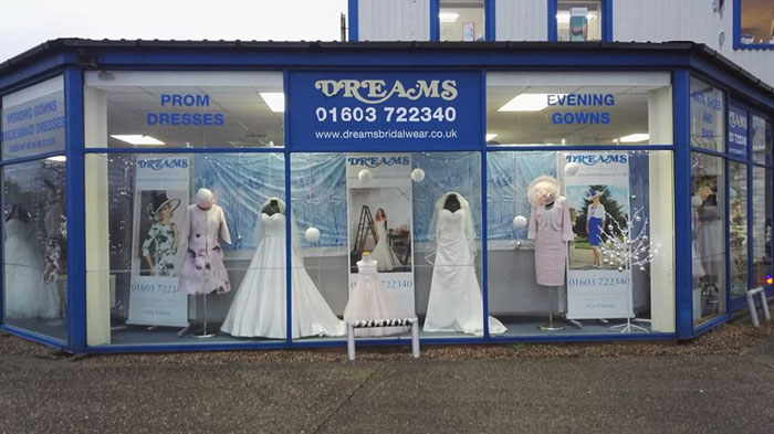 how-to-find-your-dream-wedding-dress-in-norfolk-3