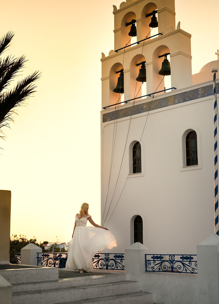 a-blue-and-white-destination-wedding-in-santorini-27