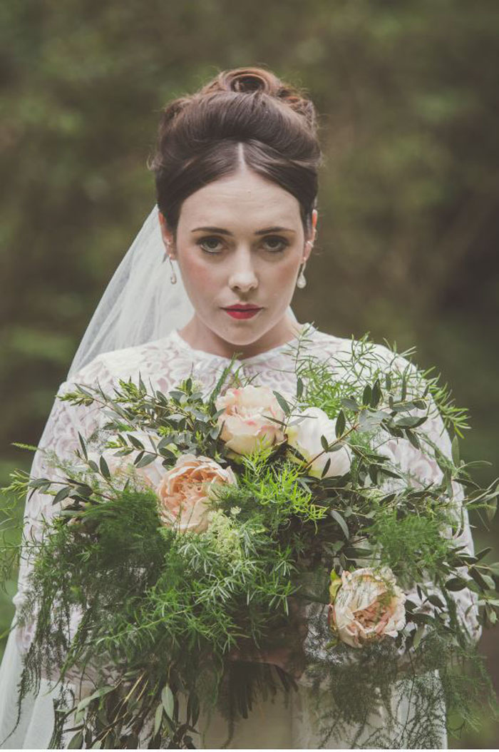 a-regal-and-vintage-wedding-shoot-in-dorset-2