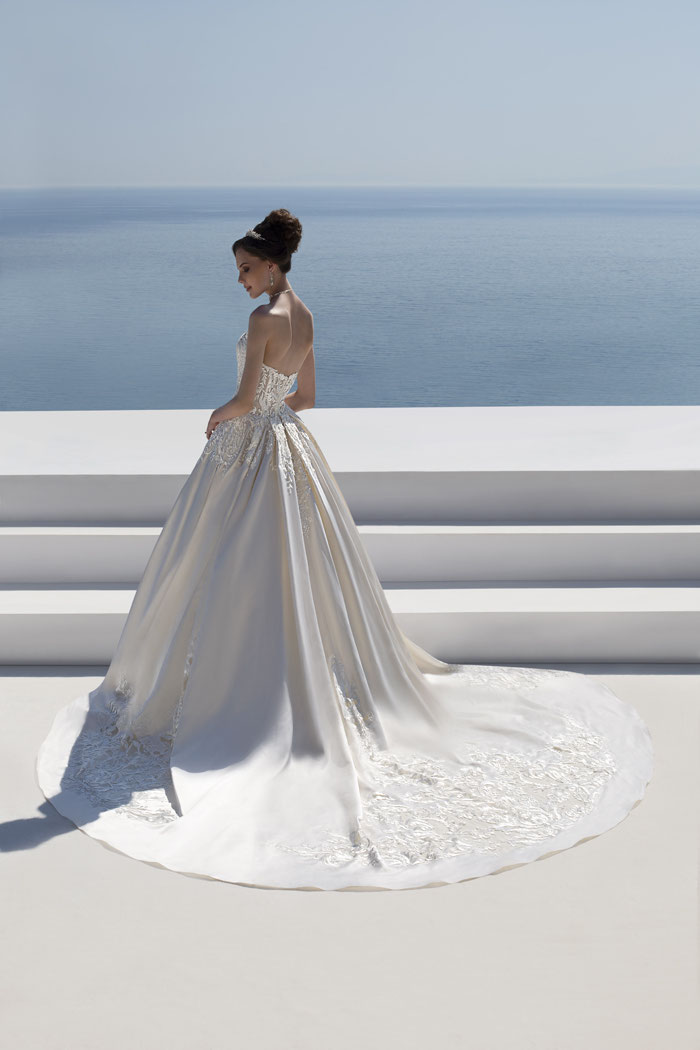 21-wedding-dresses-with-pockets-17