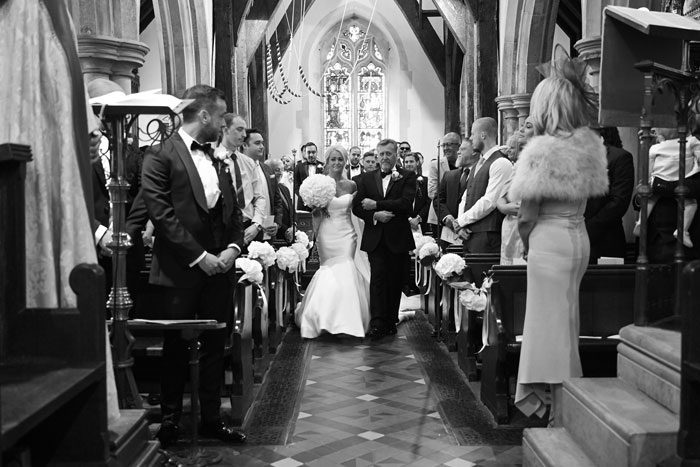 a-classic-and-simplistic-essex-wedding-10