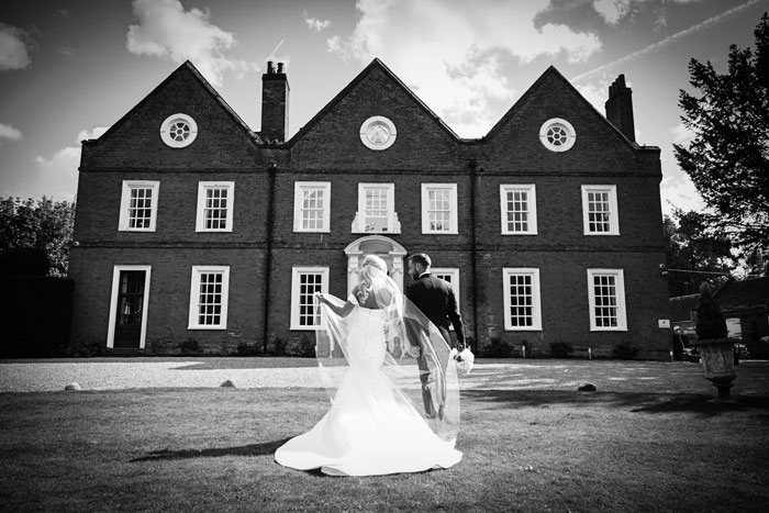 a-classic-and-simplistic-essex-wedding-14