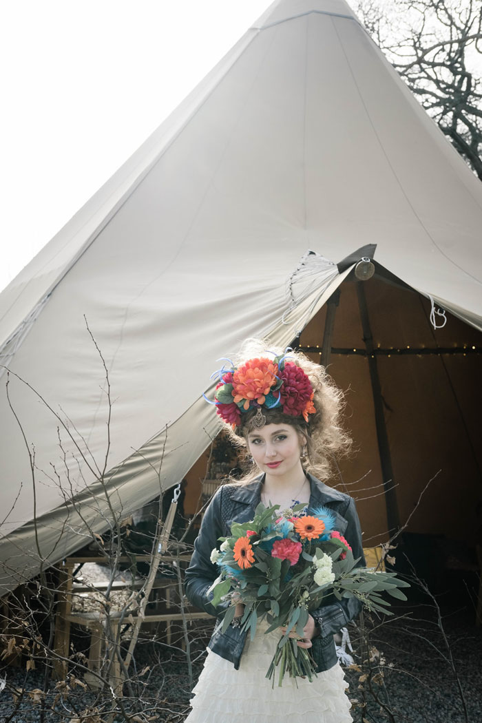 a-rock-chick-festival-wedding-shoot-in-cornwall-14