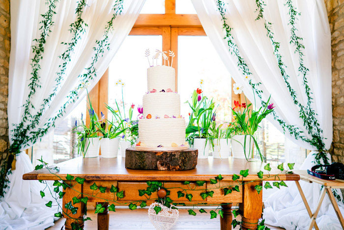 take-your-pick-from-these-couples-wedding-cakes-1