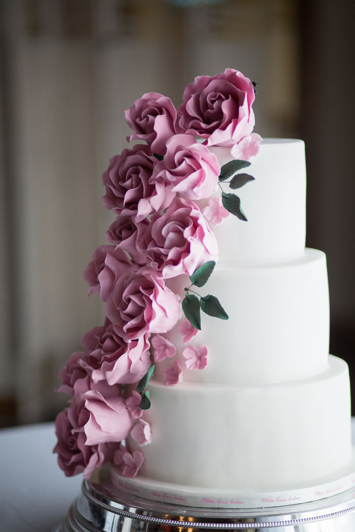 take-your-pick-from-these-couples-wedding-cakes-4