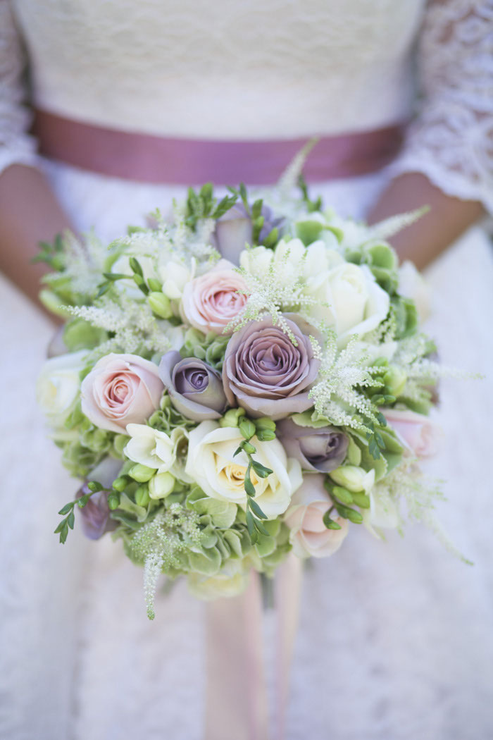 looking-back-at-real-brides-wedding-bouquets-4