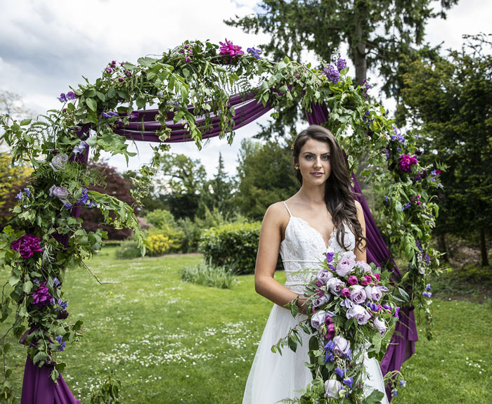 a-rich-and-luxurious-wedding-shoot-in-bedfordshire-17