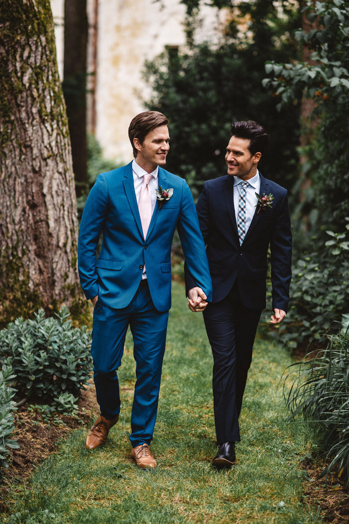 blue-wedding-colour-inspiration-in-a-french-chateau-9
