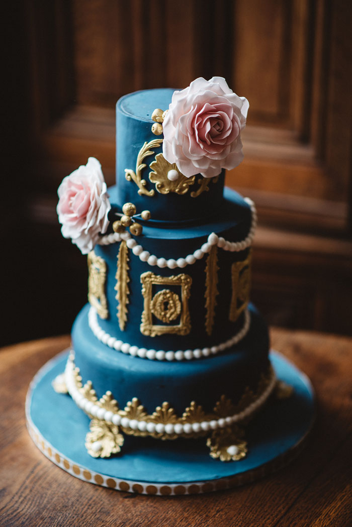 blue-wedding-colour-inspiration-in-a-french-chateau-15