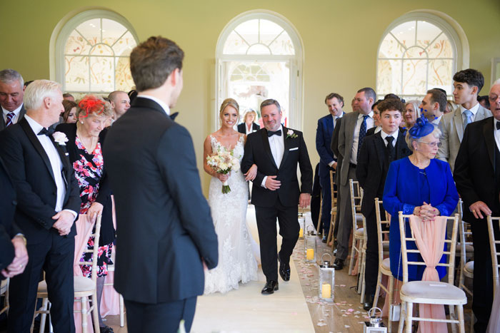 a-classic-spring-wedding-at-braxted-park-essex-20