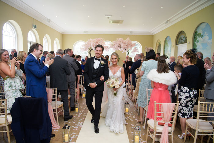 a-classic-spring-wedding-at-braxted-park-essex-24