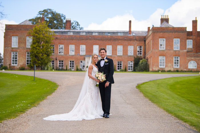 a-classic-spring-wedding-at-braxted-park-essex-27