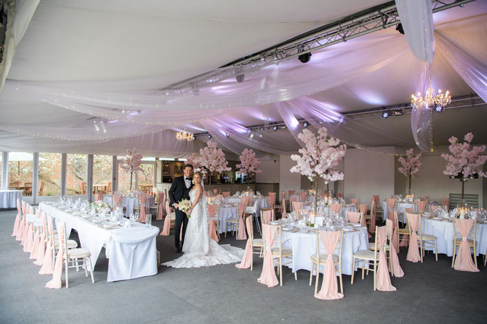 a-classic-spring-wedding-at-braxted-park-essex-34